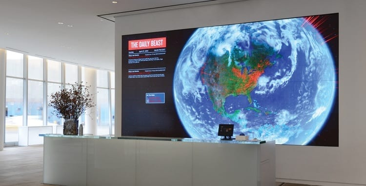 metroclick-lifewall-captivating-functional-display